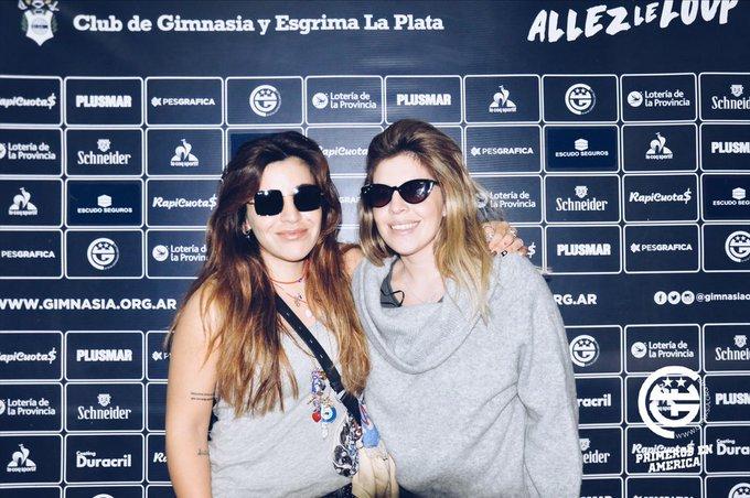 Las hijas de Diego estuvieron en La Plata para ver Gimnasia-River