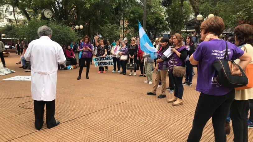 Jubilados docentes llegaron a las 300 rondas frente a Gobernación