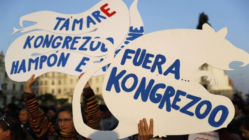 Perú: piden el cierre del Congreso y nuevas elecciones