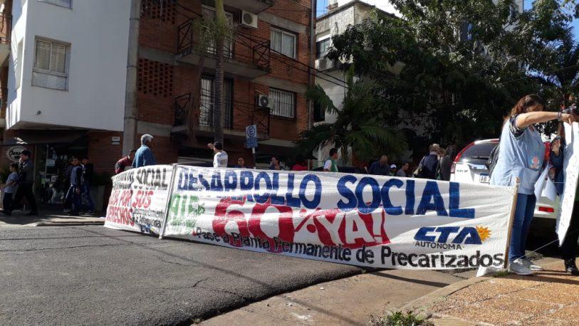 Sigue el paro de trabajadores de Desarrollo Social