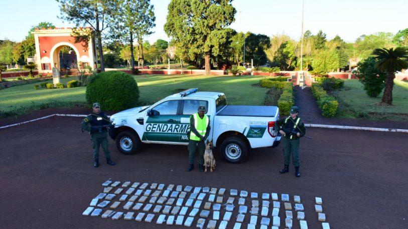 Trasladaban más de 95 kilos de marihuana ocultos en su auto