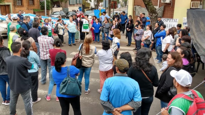 Acampe de Salud: el Gobierno ofreció mil pesos de aumento