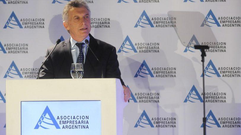 """Macri, sobre el control cambiario: """"Sólo se justifica en la emergencia"""""""
