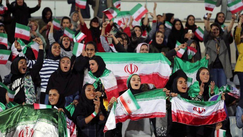 La FIFA presiona para que las mujeres puedan entrar a los estadios en Irán