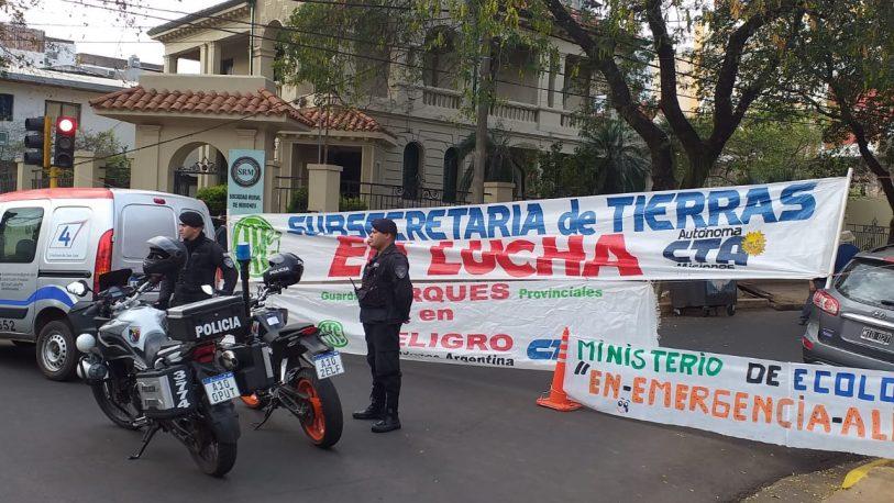 Nuevo corte frente al Ministerio de Ecología, por reclamo salarial