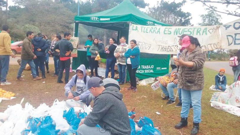 Piray: productores regalan mandioca para hacer visible el reclamo por sus tierras