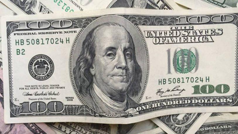 El dólar avanzó cinco centavos y cerró a $62,98