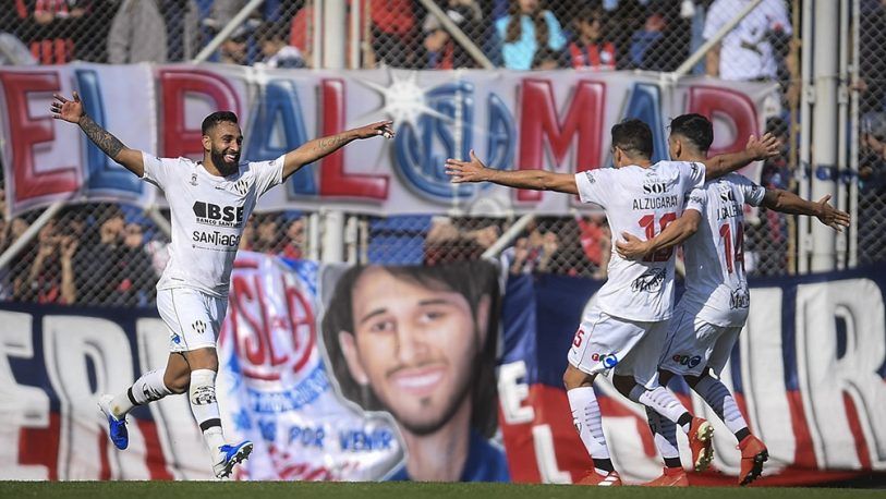San Lorenzo fue goleado por Central Córdoba y no pudo escalar a la cima