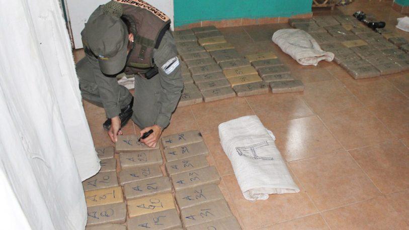 Acopiaban más de 81 kilos de marihuana en una vivienda