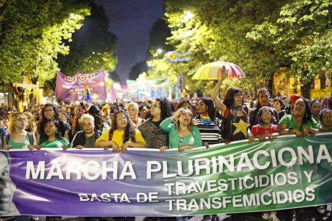 Mujeres, trans y travestis marcharon contra los travesticidios