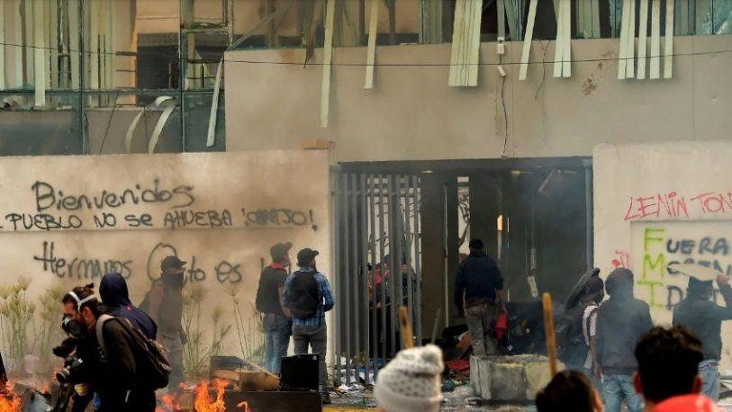 Lenín Moreno ordenó el toque de queda y militarización de Quito