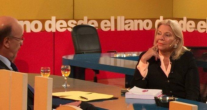 """Carrió calificó a Fernández de """"chanta""""  y de """"preocupado"""" a Macri"""