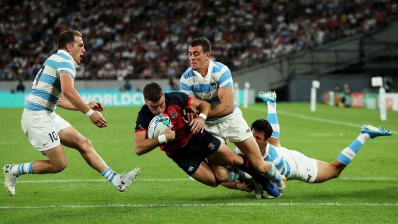 Los Pumas cayeron ante Inglaterra y esperan un milagro