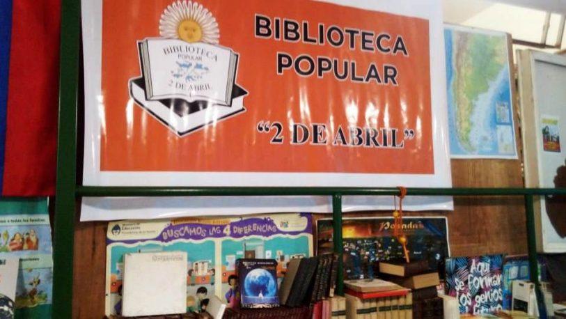 Apoyo escolar en la biblioteca 2 de Abril