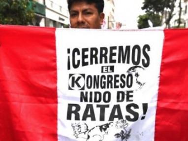 Renunció la presidenta designada por el Congreso y se profundiza la crisis en Perú