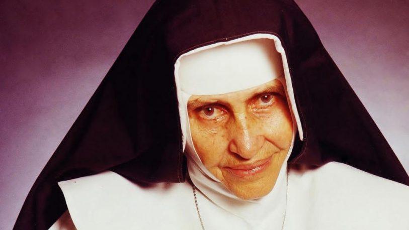 Francisco proclama a la primera santa de Brasil, la hermana Dulce