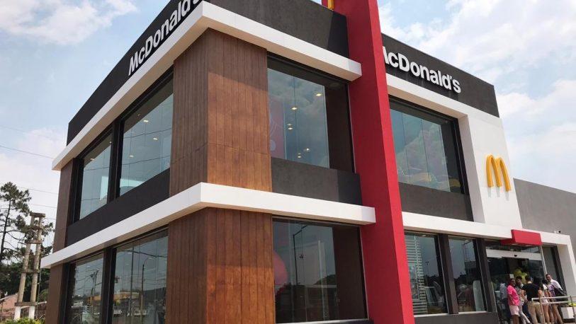 McDonald's ya funciona en Posadas y dará trabajo a 92 jóvenes