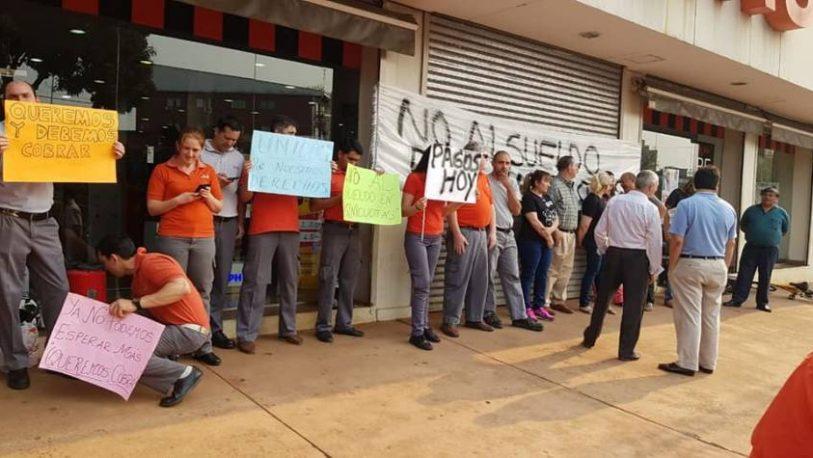 Los trabajadores de Ribeiro Posadas, cobraron apenas $3 mil de su sueldo de Octubre