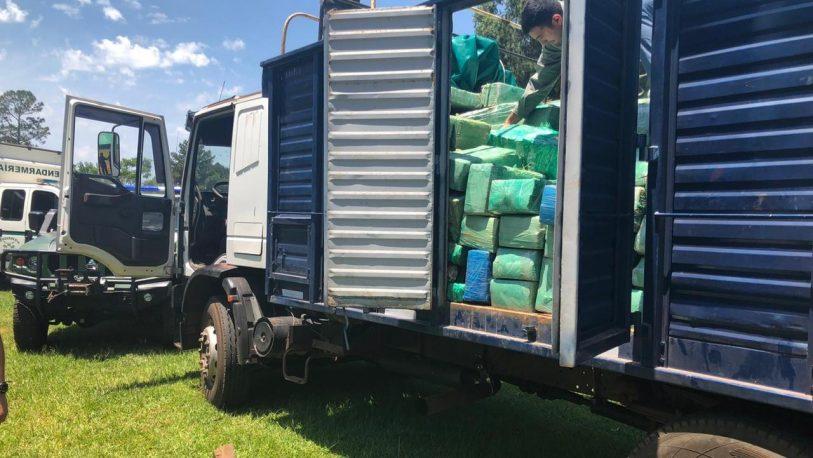 Detienen un camión con más de 8 toneladas de marihuana