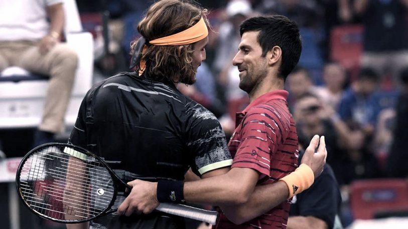 Djokovic vapuleó a Tsitsipas y es semifinalista en Paris