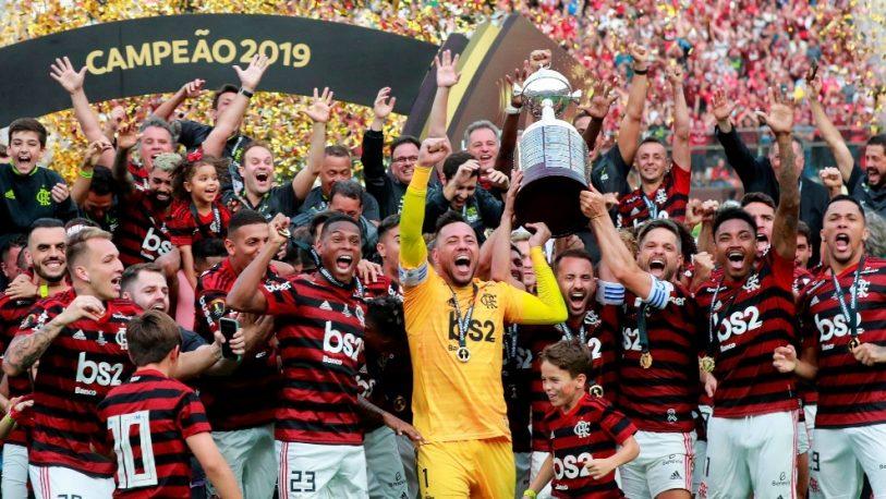 Multan a Flamengo por festejar con niños en la cancha