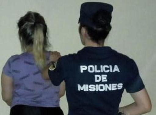 Causó disturbios, intentó tomar el volante del colectivo y fue detenida