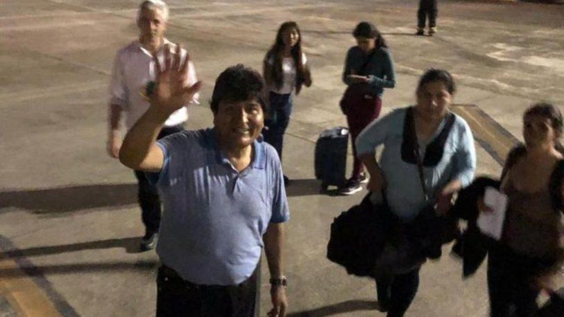 Tras una escala en Paraguay, Evo Morales retomó su viaje hacia México