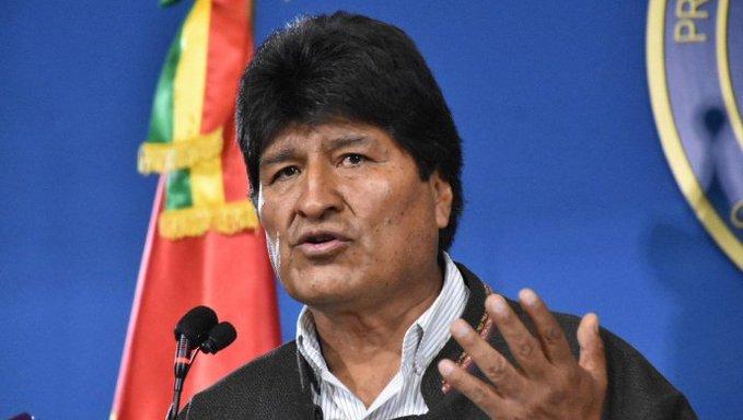 Evo Morales viajó a Cuba y planea instalarse en Argentina