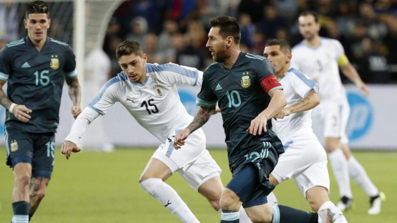 Argentina empató sobre el final con Uruguay