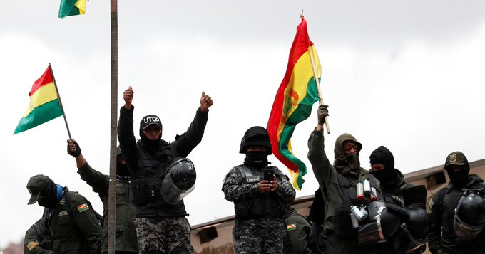 Motines policiales aumentan la tensión en Bolivia