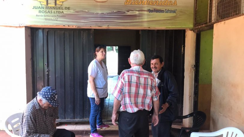 Diversas actividades para los abuelos en el club Santa Lucía