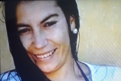 Policías y familiares buscan a una mujer de 34 años