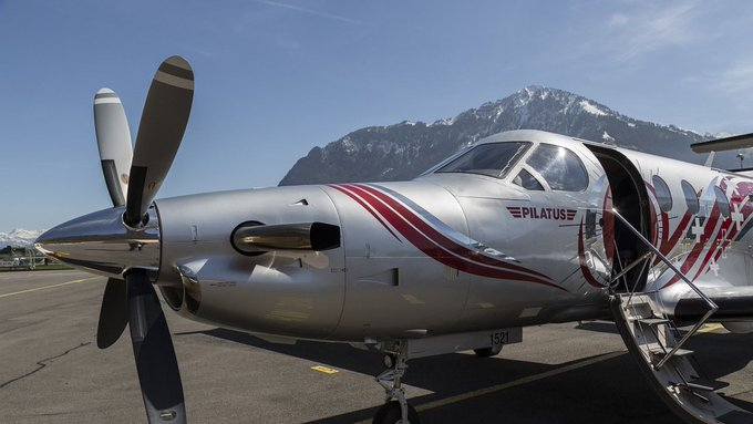 Nueve muertos y tres heridos al estrellarse un avión en Estados Unidos
