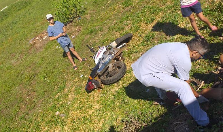 Motociclista herido en despiste