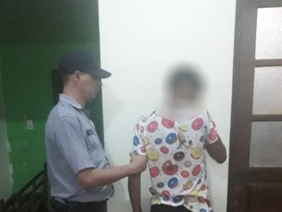 Un menor ebrio causó disturbios, agredió a un policía y fue detenido