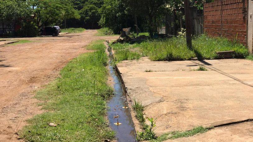 Vecinos reclaman falta de alumbrado público y limpieza