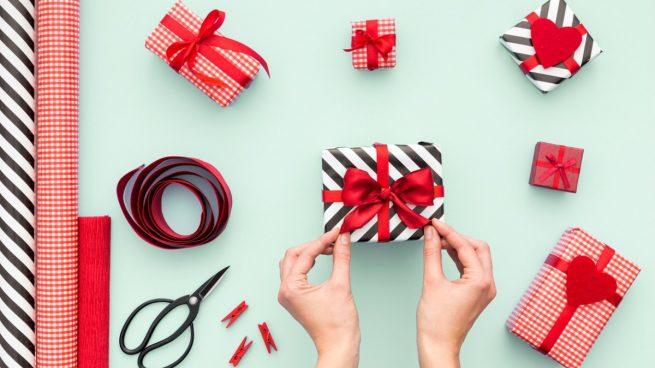 El video que necesitas para envolver regalos