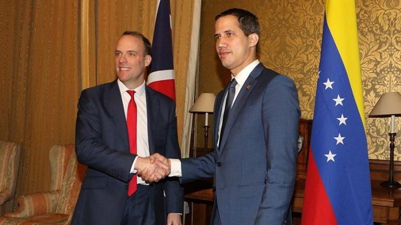El Gobierno británico muestra su respaldo a Guaidó