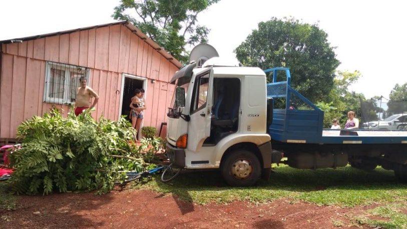 Un niño de 11 años fue herido por el camión de su padre