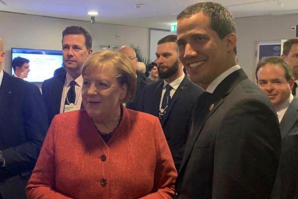 Juan Guaidó suma respaldo de Angela Merkel y Macron