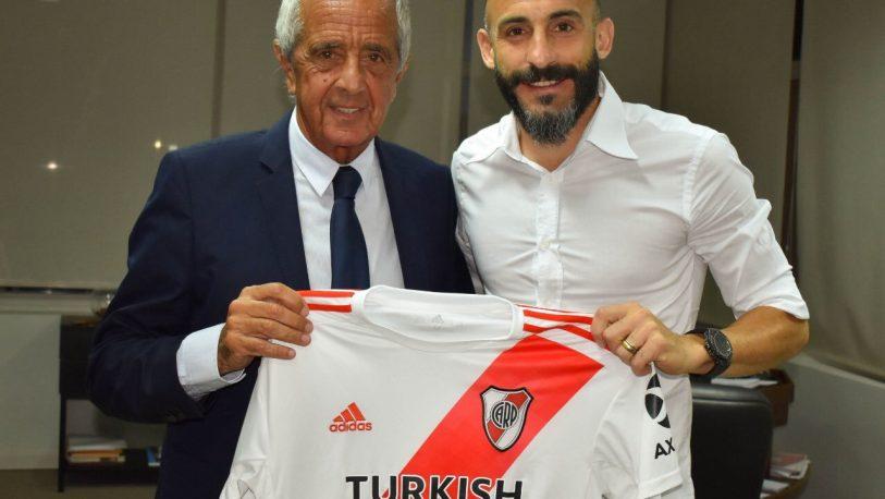 Javier Pinola renovó su contrato en River hasta 2021