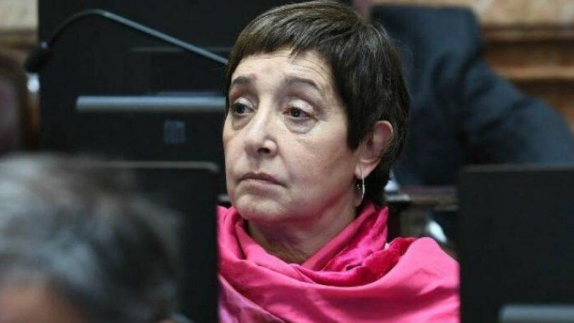 Denuncian a una senadora K, por encubrir a Alperovich