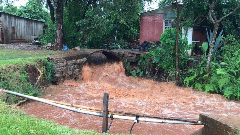Barrios posadeños sufren las consecuencias de las lluvias