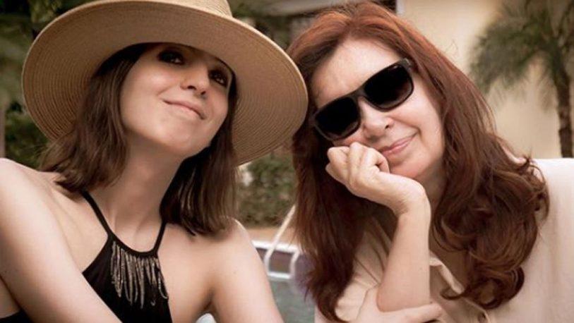 Cristina Kirchner mostró la primera foto de su hija Florencia en Cuba