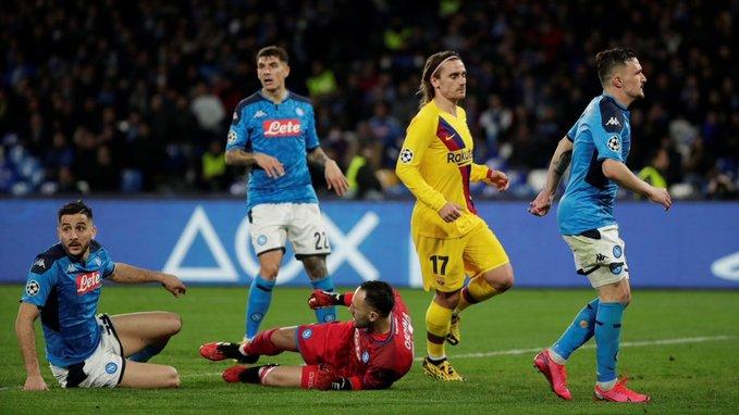 Champions: empataron Napoli y Barcelona