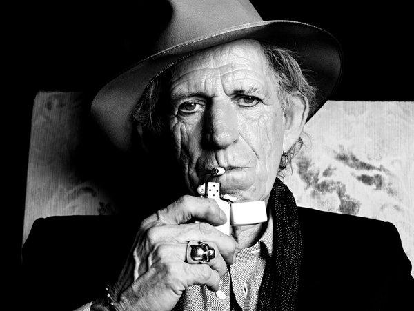 A los 76 años, Keith Richards dejó de fumar