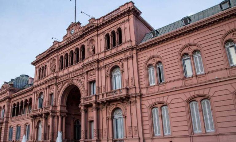 Eduardo Duhalde se reunió con Fernández y viajará a Europa