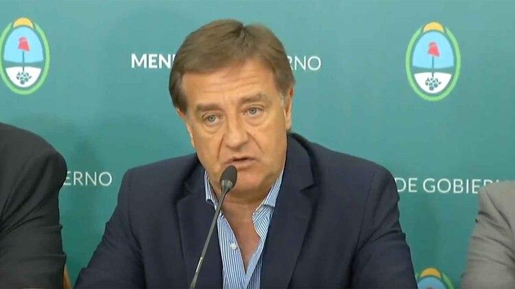 Mendoza anunció una fuerte rebaja de sueldos de sus políticos