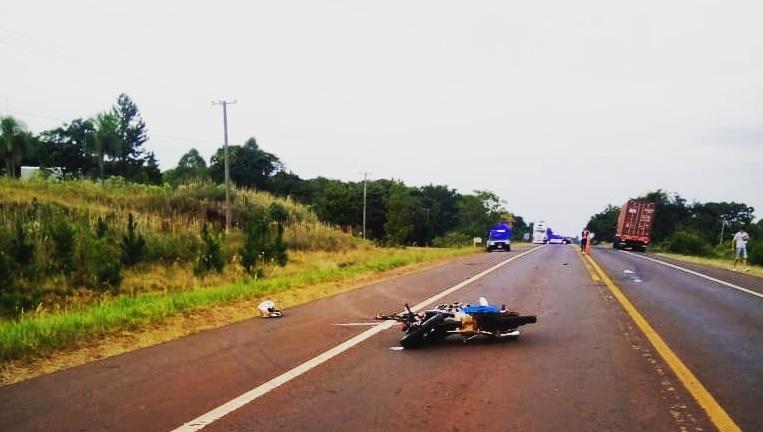 Motociclista murió tras chocar con un camión en Ruta 14