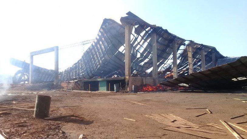 Montecarlo: Así quedó el aserradero tras el incendio